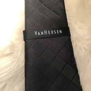 Van Heusen Tie